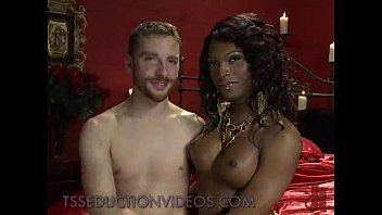 comes in guys white mouth black guy Cheri allysin chaynes